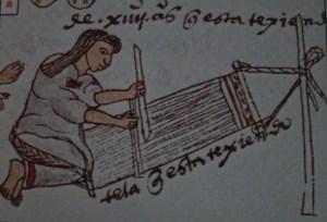 Una niña mexica aprende a utilizar el telar de cintura. Códice mendocino. Folio 60r. Imagen tomada de revista de arqueología mexicana, textiles del México de ayer y hoy. 2005